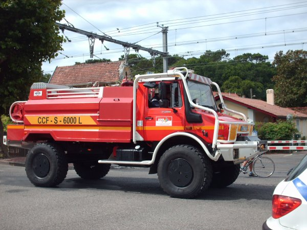 Défilé des Sapeurs pompiers du Bassin d'Arcachon zone sud et Cérémonie du 14 juillet 2009 à la Teste de Buch (5 eme partie)