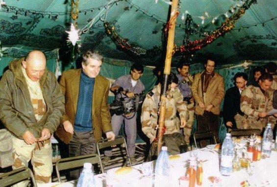 Crèche  de noël  24 décembre 1990 au 2eme REI en Arabie Saoudite
