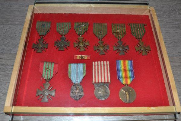 tableau Médailles 1ere et 2eme guerre mondiale