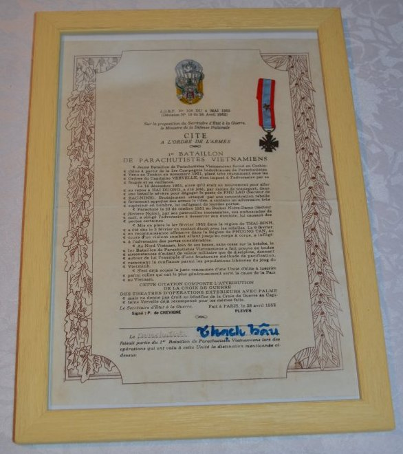 Citation à l'ordre de l'Armée 1er Bataillon de Parachutistes Vietnamiens.