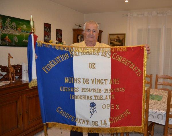 drapeau de la fédération nationale des combattants de moins de vingt ans groupement de la Gironde