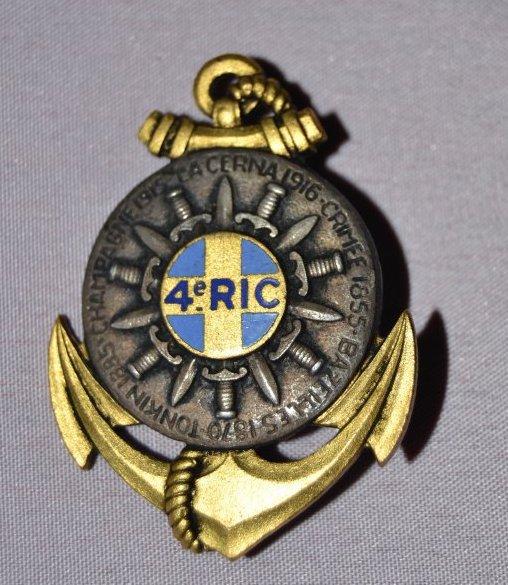 Insigne 4eme RIC