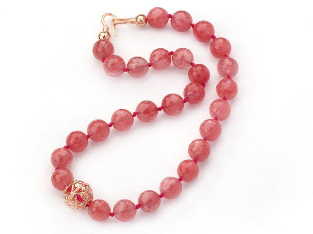 The Most Desirable Crystal Jewelry-Rose Quartz