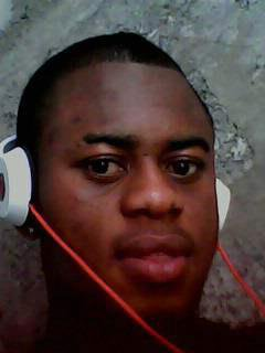 Rolly Gaston Lokonga Mbukila ( Garçon sympa)