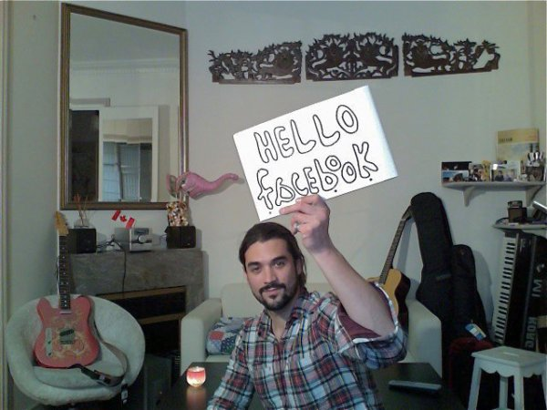 BLOG NON-OFFICIEL ! Florent sur Facebook !