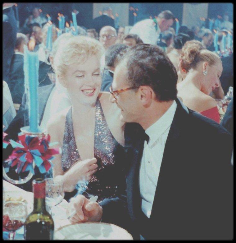 """11 Avril 1957 / Marilyn et Arthur assistent à la soirée de gala fêtant le 200ème anniversaire de la naissance de LAFAYETTE intitulée """"Bal April in Paris"""", au """"Waldorf Astoria"""" de  New York. Elsa MAXWELL, Gérard PHILIPE et Jean MARAIS, entre autres, assistent également à cette soirée."""