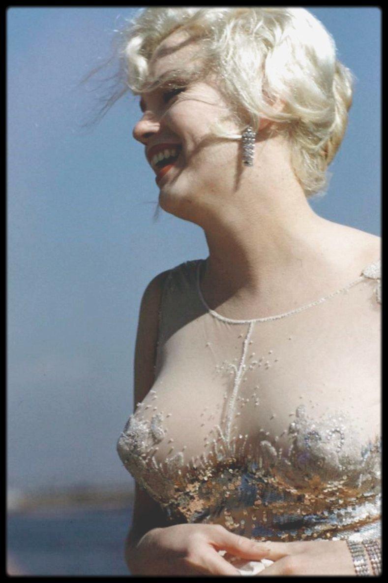 "1958 / Photos Richard C MILLER, Marilyn lors du tournage du film ""Some like it hot"""