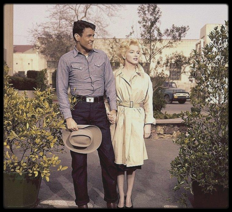 "1956 / Marilyn et Don MURRAY lors du tournage de ""Bus stop"". (photos Gene LESTER et Milton GREENE)."