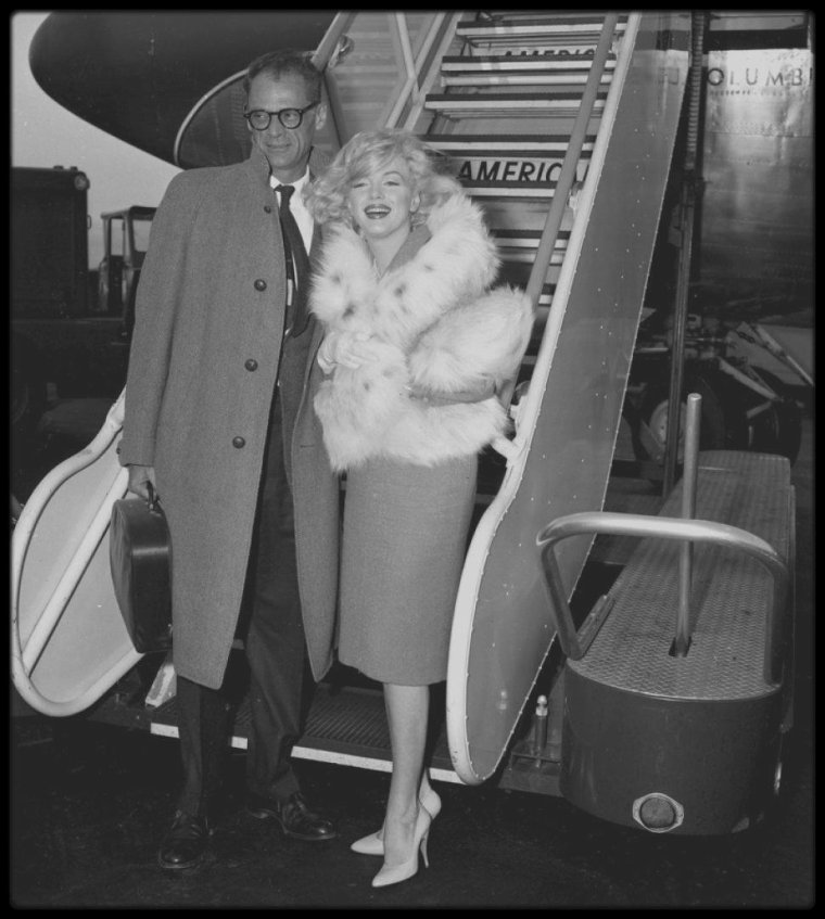 "2 Novembre 1959 / Marilyn et Arthur quittent New-York pour Los-Angeles, où Marilyn doit tourner le film ""Let's make love"" avec MONTAND sous la direction de George CUKOR."