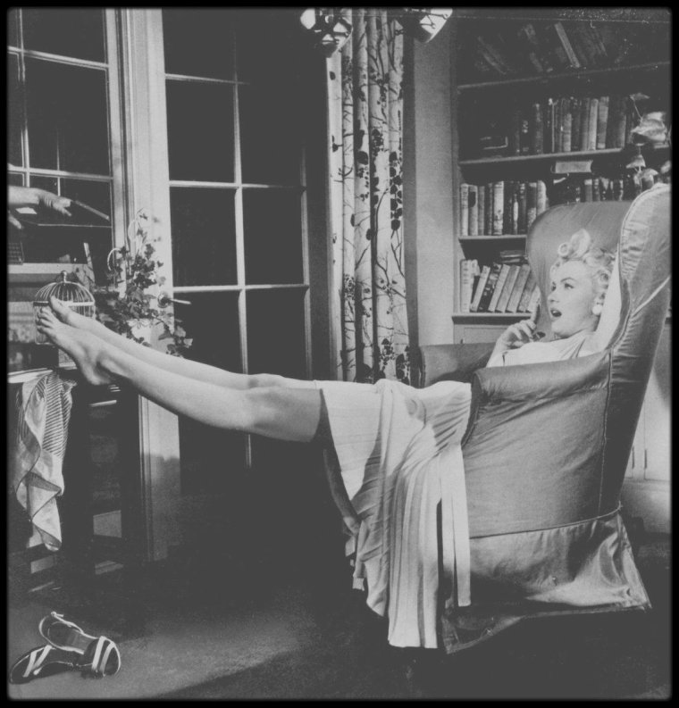 blog de marilyn rare and candid page 64 marilyn monroe rare candid. Black Bedroom Furniture Sets. Home Design Ideas