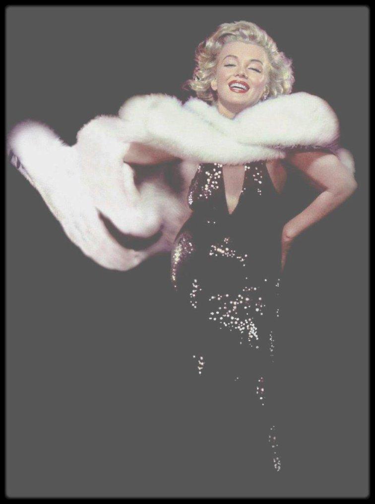 1957 / Marilyn by Richard AVEDON.