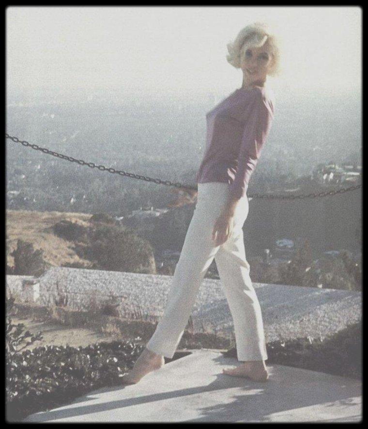 Juin-Juillet 1962 / Beautiful Marilyn by George BARRIS.