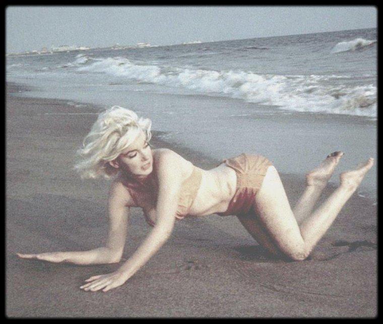 1962 / Santa Monica Beach, Marilyn by George BARRIS.