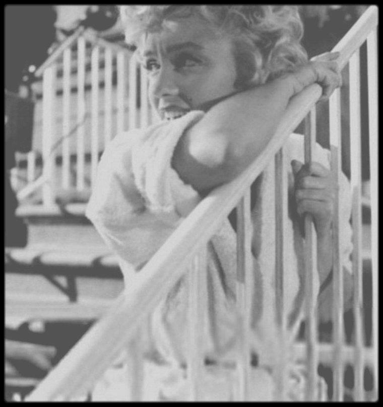 """1954 / Sur le tournage du film """"The seven year itch""""."""