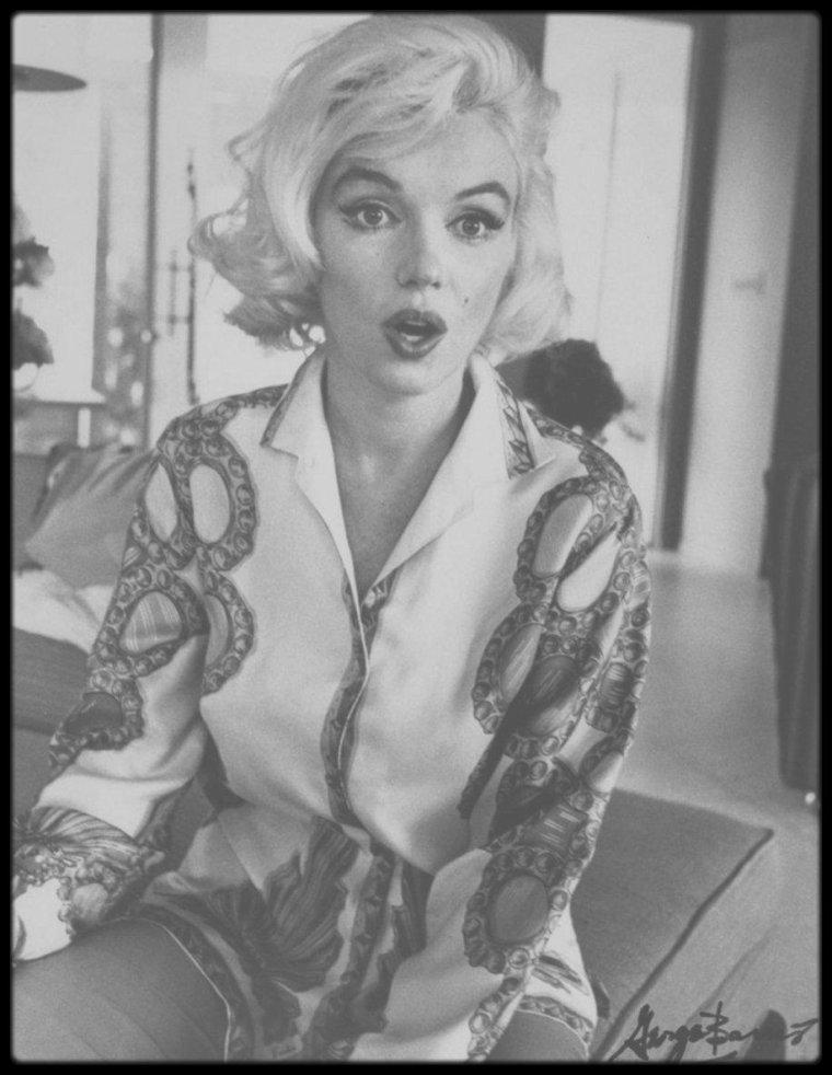 """1962 / Marilyn by George BARRIS ; Il fut l'un des derniers photographes à prendre Marilyn en photo, entre le 29 juin et le 1er juillet 1962. Vendredi 29 et samedi 30 juin, dans la maison de  Walter """"Tim"""" LEIMERT, située 1506 Blue Jay Way,  North Hollywood Hills."""