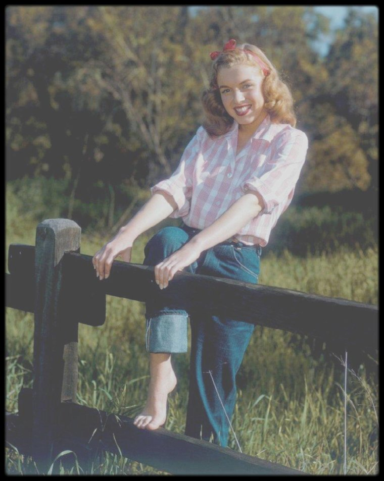 1946 / Young Norma Jeane by Richard C MILLER.
