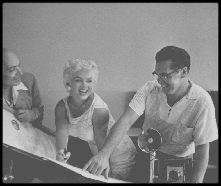 6 Août 1955 / (Part V) Reportage photographique sur Marilyn de la photographe Eve ARNOLD, alors que cette dernière est conviée à Bement, notamment pour inaugurer un musée consacré à Abraham LINCOLN.