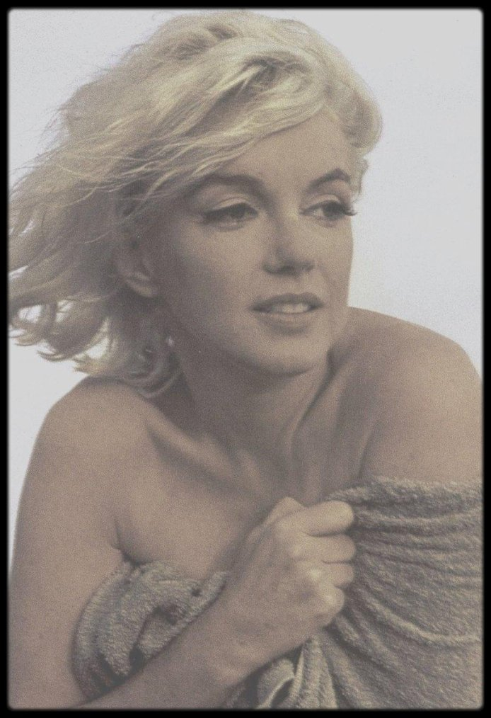 1962 / BONUS PHOTO / Marilyn by George BARRIS, voir article ci-dessous.