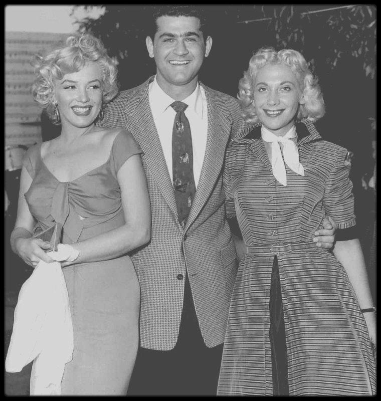 3 Août 1952 / (PART XI) Petite fête organisée par la FOX en l'honneur de Marilyn, chez le chef d'orchestre et trompetiste Ray ANTHONY, où on compte parmi les invités entre autres, Mickey ROONEY ; pour l'occasion, une chanson lui sera écrite. (voir tag chanson).
