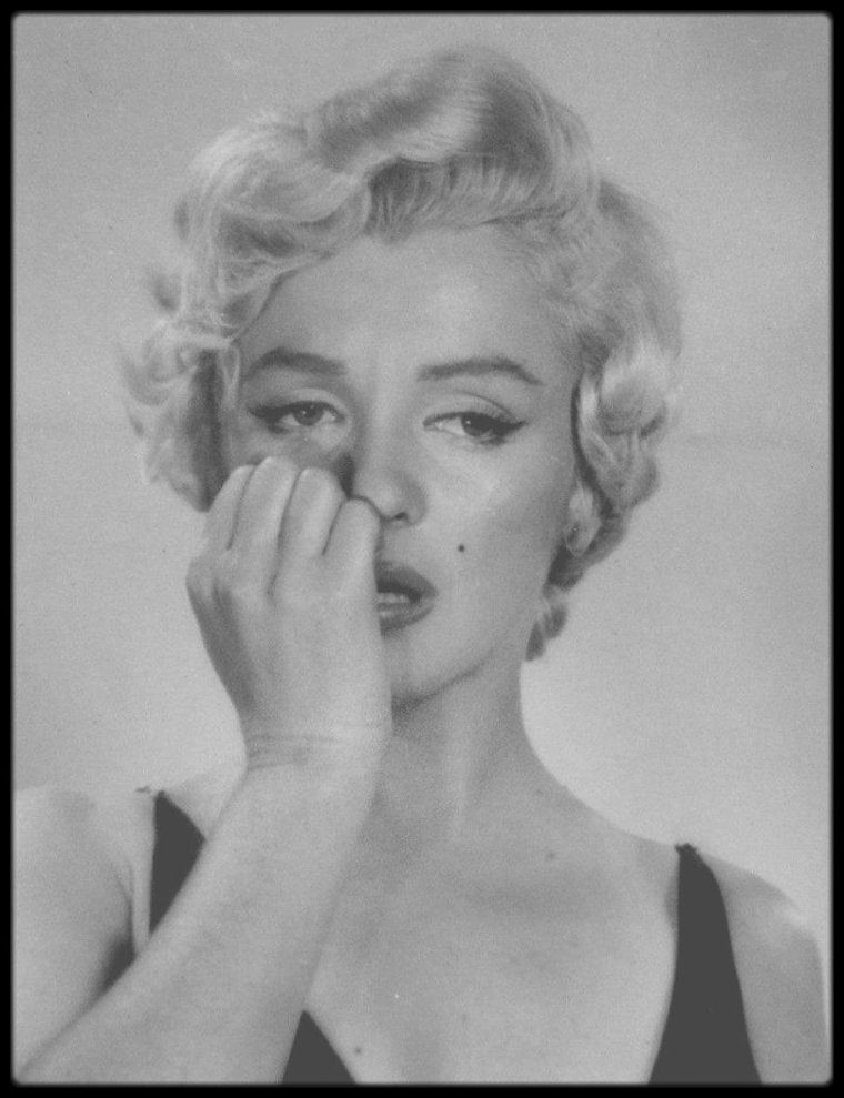 "1954 / Session photos de Philippe HALSMAN, Marilyn tourne alors le film ""The seven year itch""."
