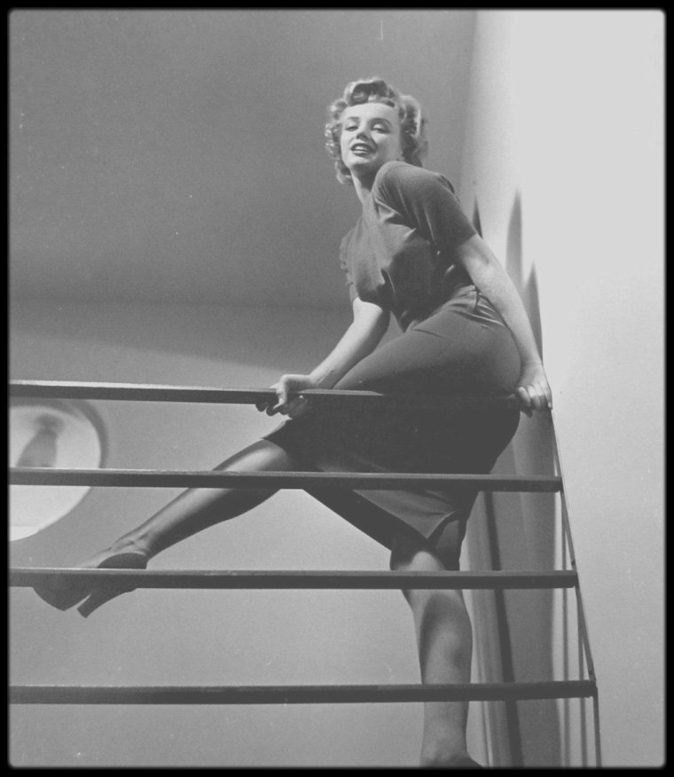 1952 / Marilyn by Philippe HALSMAN.