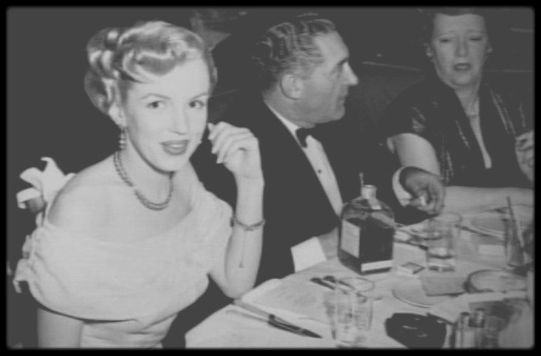 1950 / RARE young Marilyn
