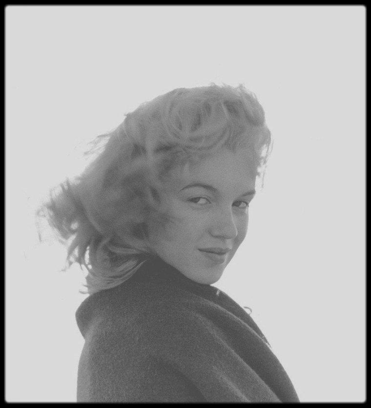 "NEWS / EXPO : Marilyn MONROE ""I wanna be loved by you"" (du 22 Octobre 2016 au 1er Mai 2017) HOTEL DE CAUMONT, Centre d'Art, AIX-EN-PROVENCE)."