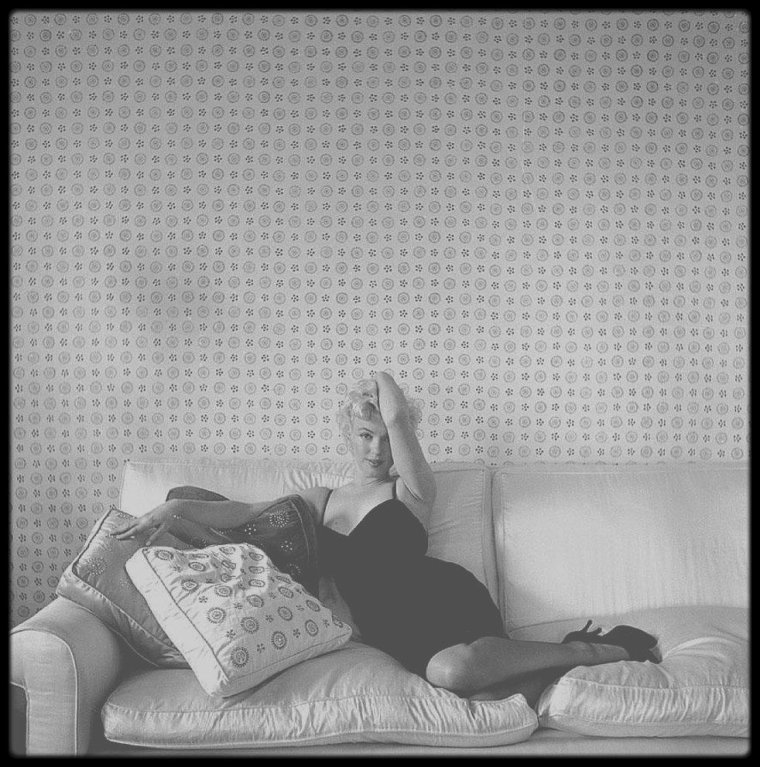 1956 / Session photos de Marilyn par le photographe Cecil BEATON.