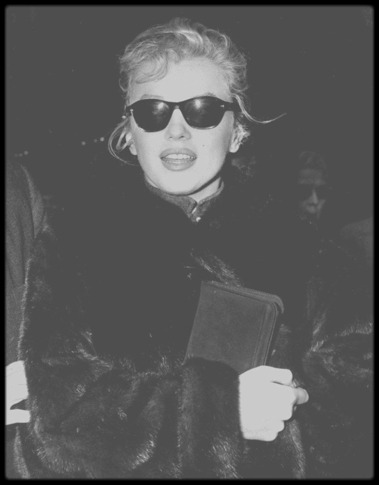 16 Avril 1957 / RARE CANDID Marilyn, New-York.