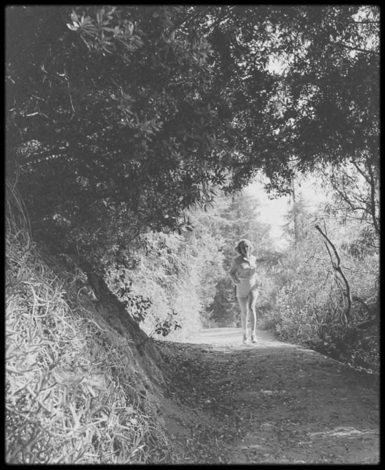 1950 / Marilyn sur les hauteurs des collines d'Hollywood, sous l'objectif du photographe Ed CLARK. (voir série complète des photos sur le blog, tags).