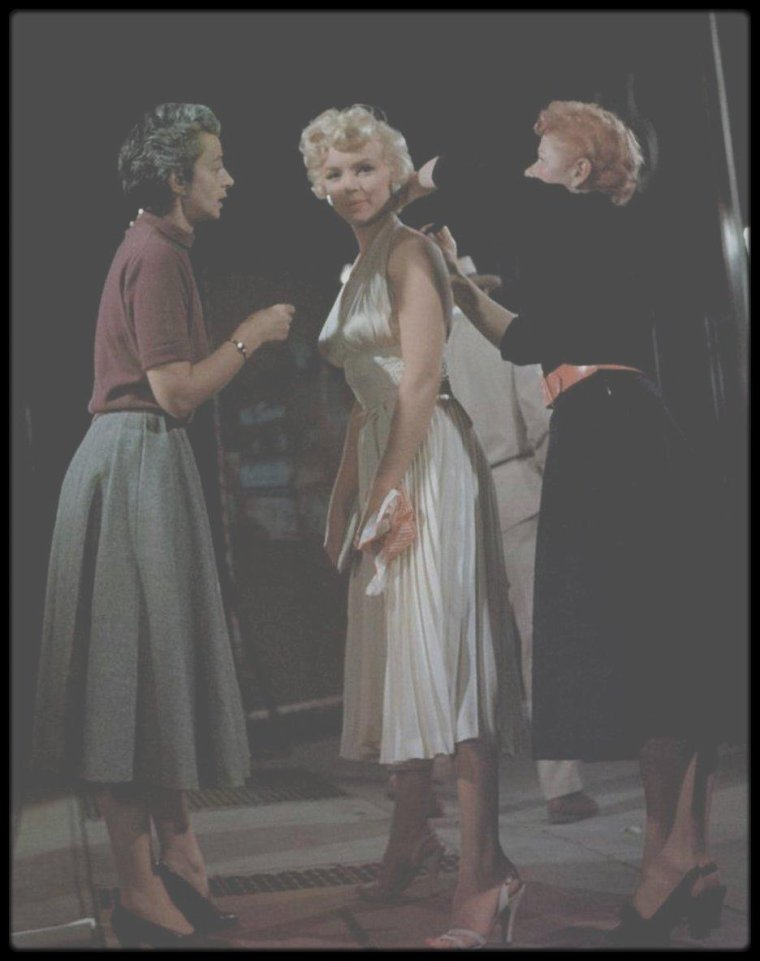 "1954 / NEWS / INEDIT / Dernière archive video de Marilyn lors du tournage du film ""The seven year itch""."
