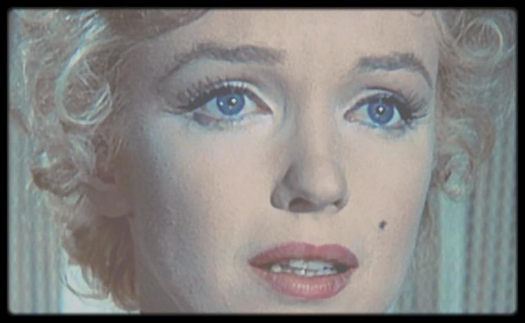 """1956 / Mes captures d'écran de Marilyn en gros plan, dans une scène émouvante du film """"Bus stop""""."""