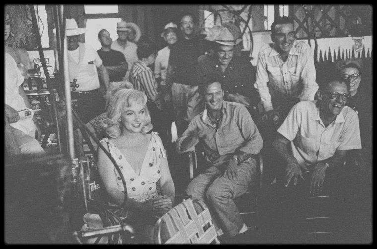 """1960 / POUR MON AMIE SIMONA... Sur le tournage du film """"The misfits""""."""