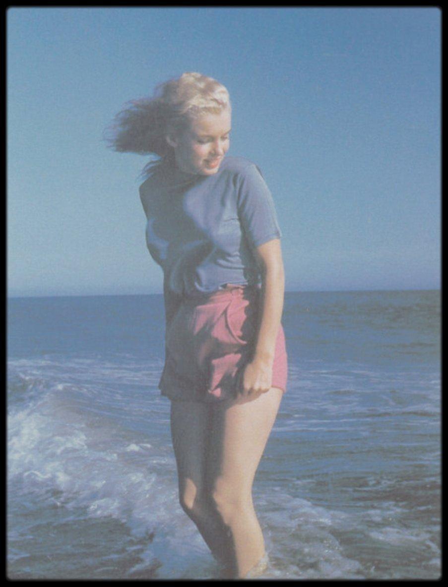 1948 / YOUNG Marilyn by Bill BURNSIDE;