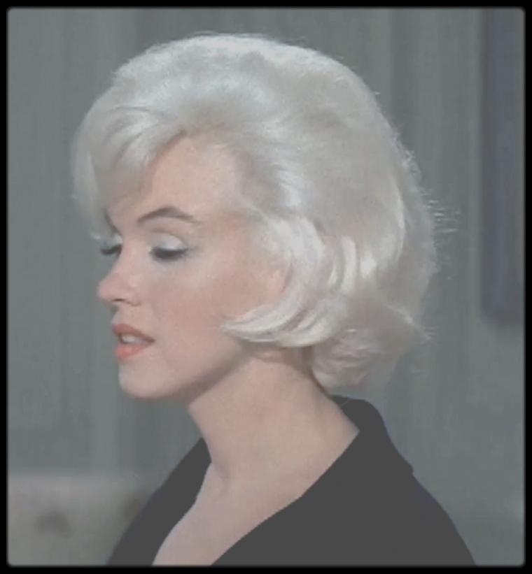 """1962 / Mes captures d'écran (Part II) des essayages coiffure pour le film """"Something's got to give"""" ; quelques jours avant sa mort, jamais Marilyn n'a été aussi belle !"""