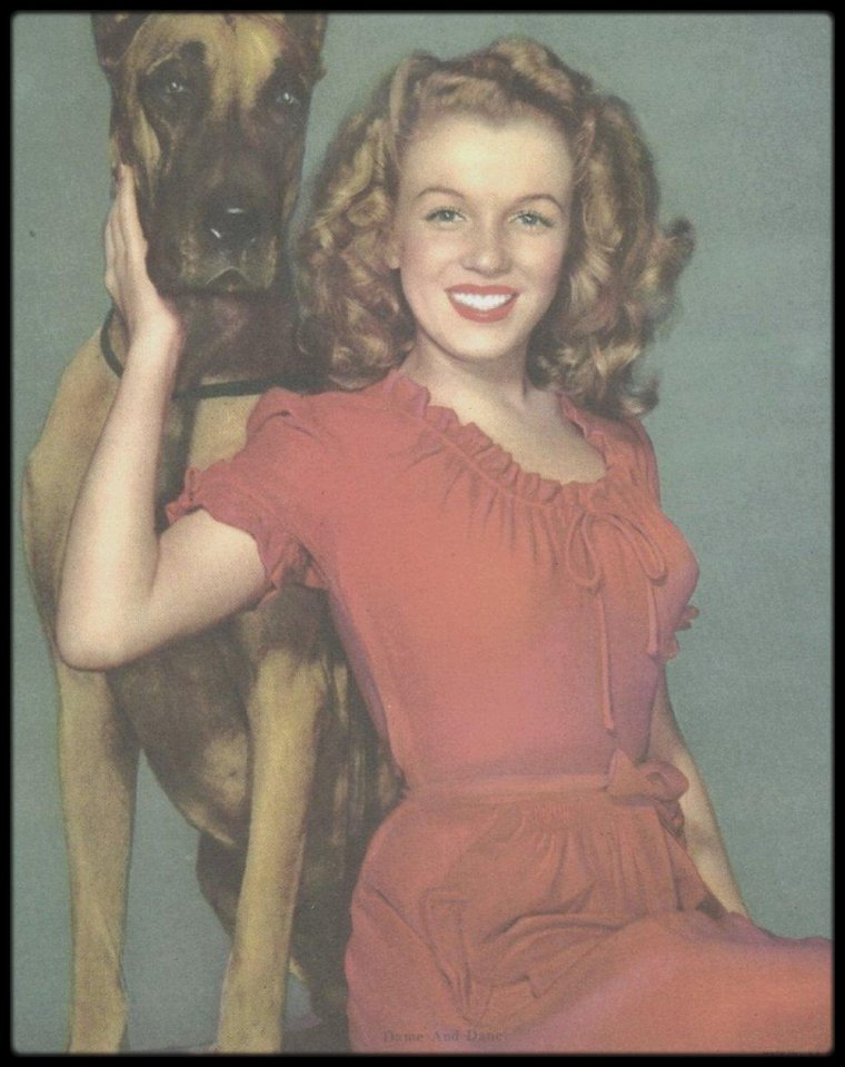 1945 / RARE Norma Jeane by Potter HUETH.
