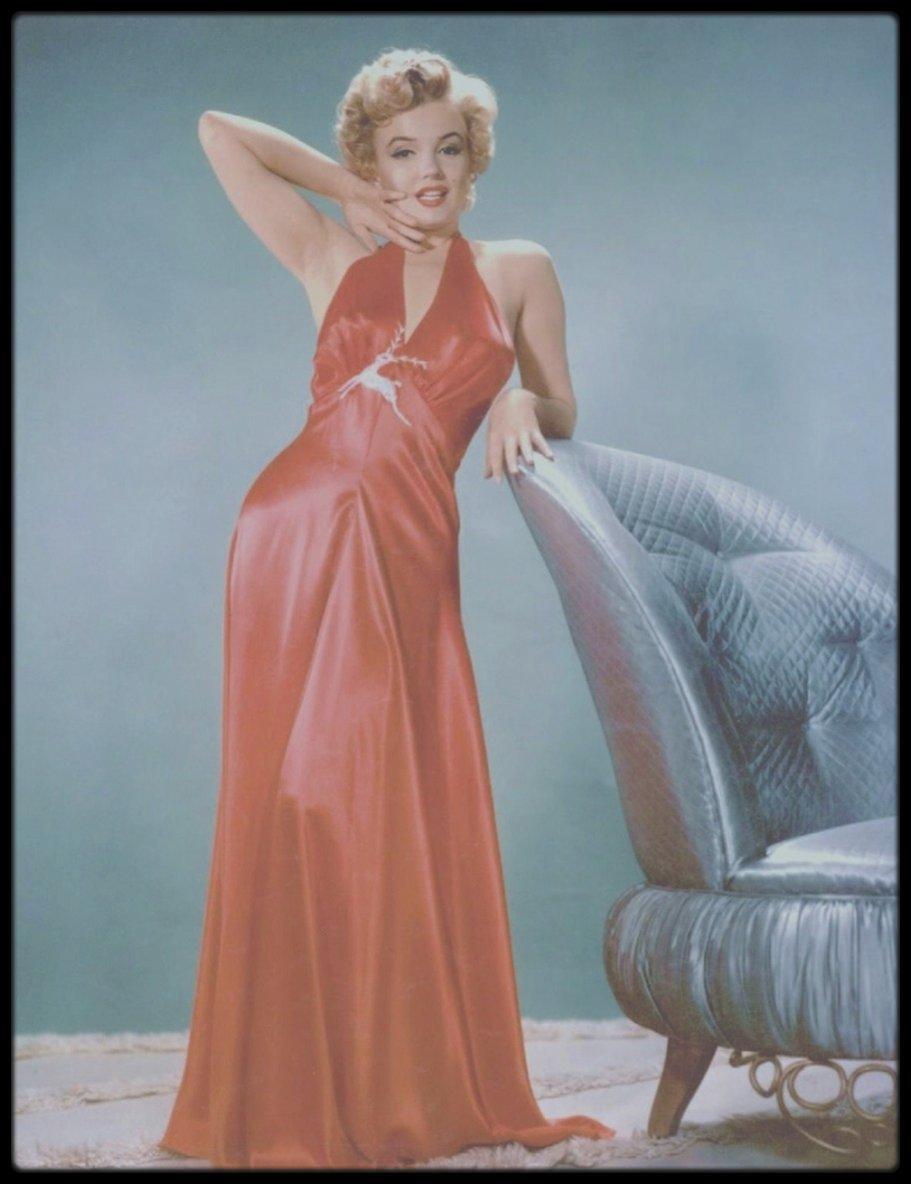Marilyn en déshabillé vous souhaite une belle fin de soirée !