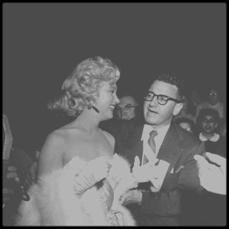 """4 Novembre 1953 / Nouvelles photos de Marilyn, Lauren BACALL et Humphrey BOGART, Nunnally JOHNSON, lors de la Première du film """"How to marry a millionaire""""."""