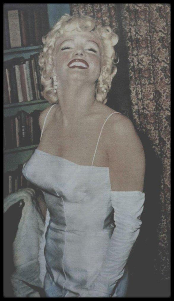"""7 Janvier 1955 / (NEW PICTURES) Annonce aux journalistes des """"Marilyn MONROE Productions""""."""