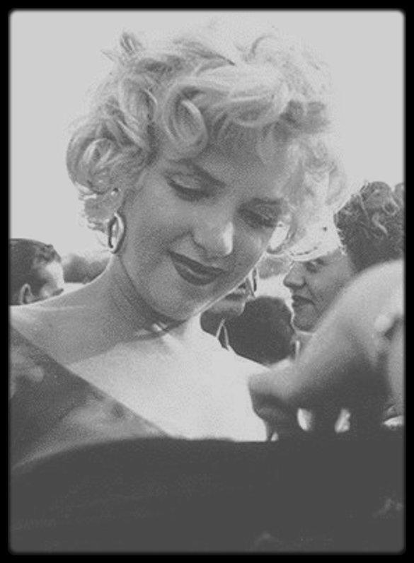 3 Août 1952 / Fête organisée par la Fox en l'honneur de Marilyn chez le jazzman Ray ANTHONY. (voir tag pour + d'infos sur l'article).