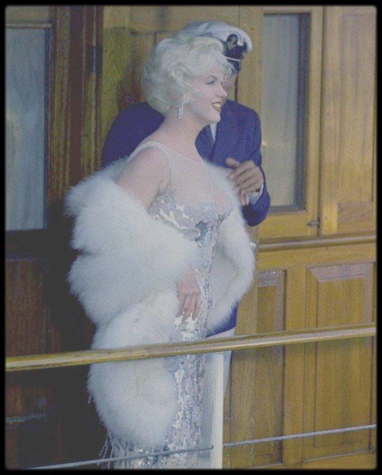 "1958 / Marilyn lors du tournage du film ""Some like it hot""."