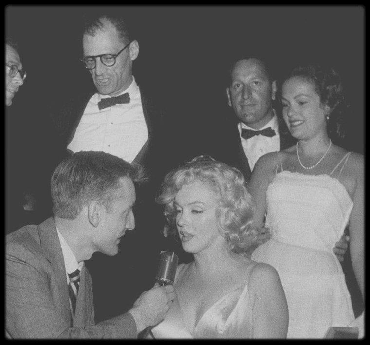"""13 Juin 1957 (Part IV) / C'est au """"Radio City Music Hall"""" de New-York, qu'à lieu la Première du film """"The Prince and the showgirl""""."""