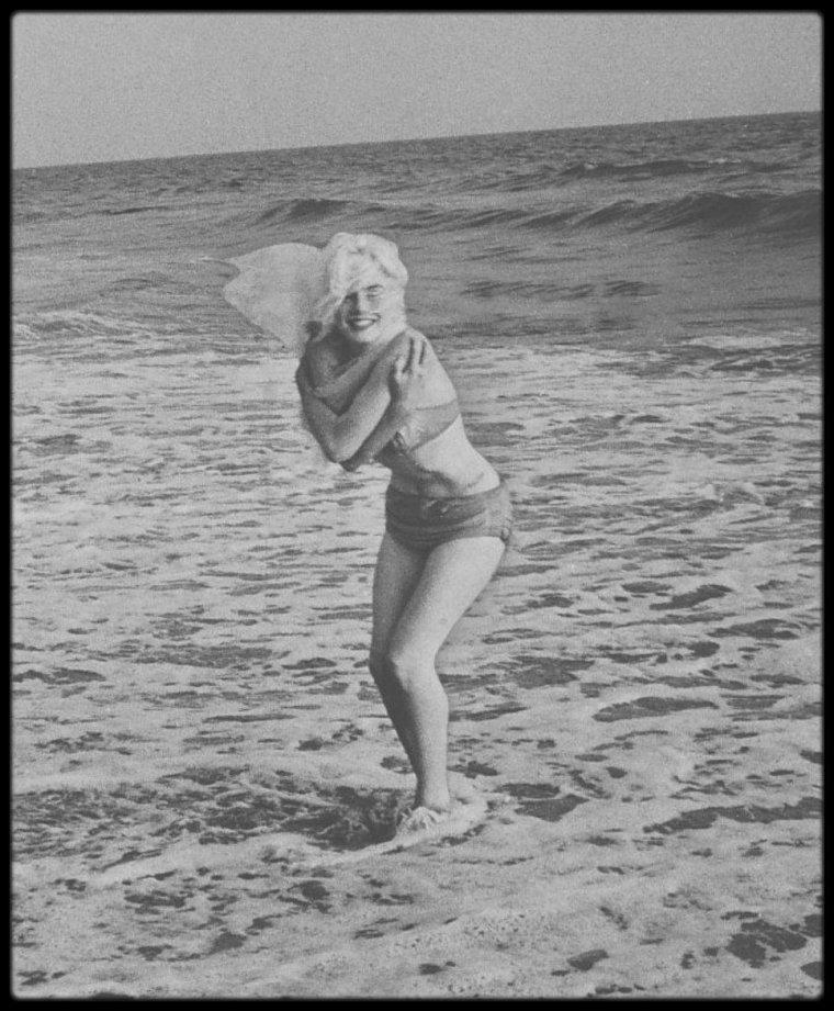 1er Juillet 1962 / Dimanche 1er juillet, dernier jour de la séance photo, derniers clichés. La séance eut lieu sur la plage de Santa Monica, près de la maison des LAWFORD.