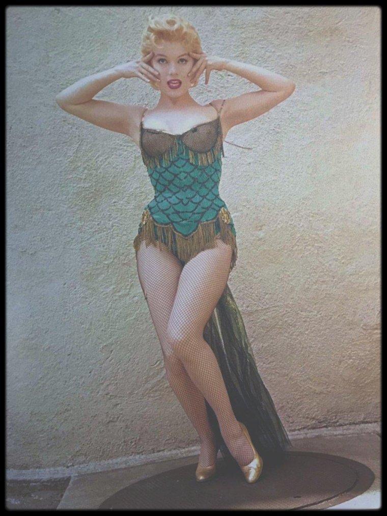 """1956 / INFOS sur la chanson """"That old black magic"""" tirée du film """"Bus stop""""."""