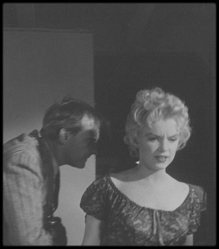 """1956 / LES NEWS de Marilyn sur le tournage du film """"Bus stop""""."""