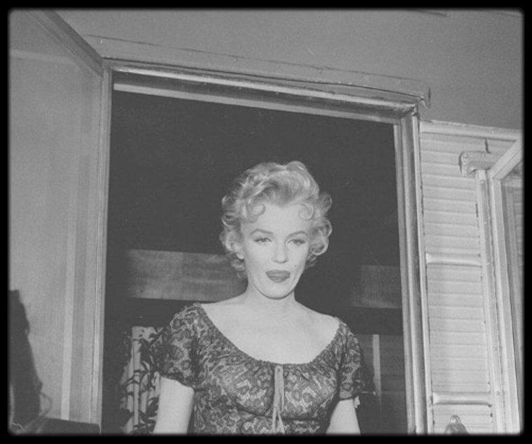 """1956 / Sur le tournage du film """"Bus stop"""". / Film mal aimé dans la pléthorique filmographie de Marilyn, ce """"Bus stop"""" mérite pourtant d'être (re)vu. Voici pourquoi ! (5 raisons de revoir """"Bus stop"""")."""