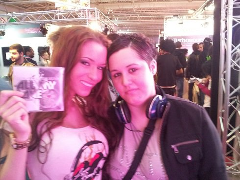 DJ MISS ROXX (Bienvenu Chez Cauet) En Mode Promo pour le Single ALL MY LOVE au MIXMOVE 2012