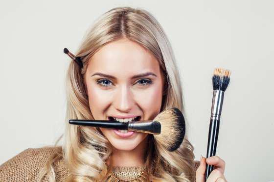 :$Pour un Maquillage Réussi, quelques Pièges à Éviter : 1ère Partie. $)