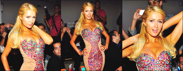 ------- 11/09/12: La jolie Paris Hilton photographiée   assistant à la grande Fashion Week de « The Blonds »  à  New York.  Dommage qu'on ne voit pas la tenue entiére, mais elle semble vraiment sublime cette robe, gros top pour la coiffure aussi. Top/Flop?    -------