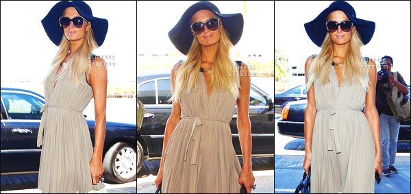 ------- 29/08/12: La magnifique  Paris Hilton photographiée arrivant à l'aéroport de LAX  dans la  soirée  -  à  Los Angeles. Bon je sature de se genre de robe longue. Mais bon Paris aime beaucoup (helas) mais je suis tres fan de son chapeau. Il lui va tres bien.  -------
